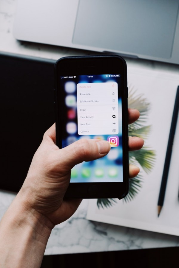 What You Need to Make Money on Instagram and Build an Engaged Following