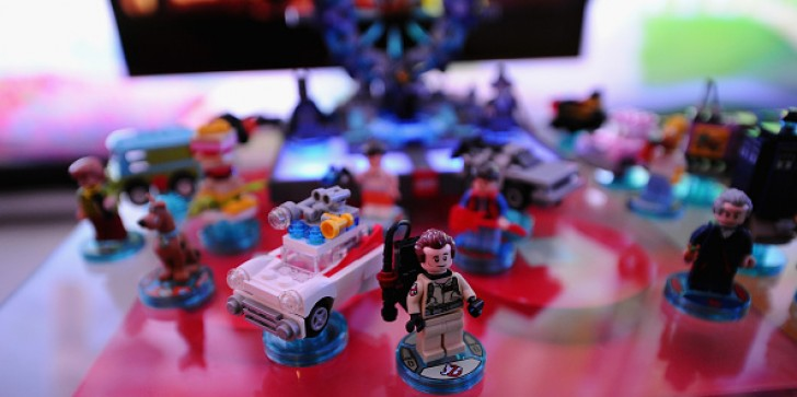 'Lego Dimensions' Update: What Happens When Batman, Sonic, Adventure Time, Gollum and E.T. Are In The Same Video Game?