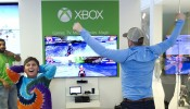 Microsoft Retail Store and Minnesota Twins Closer Glen Perkins Host Xbox One Gaming Tournament at Mall of America in Minneapolis