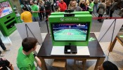 Microsoft Retail Store and Chicago Bulls Legend Scottie Pippen Host Xbox One Gaming Tournament At Shops At North Bridge In Chicago