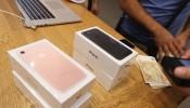 iPhone 7: Black Friday Discounts on Apple Phone from Verizon, Walmart, Target & Best Buy