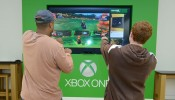 Microsoft Retail Store and New York Yankee Legend Bernie Williams Host Xbox One Gaming Tournament at Bridgewater Commons, New Jersey