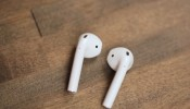 Apple AirPods wireless headphones review