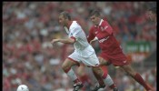 Paul Stewart of Sunderland with the ball is chased by Dominic Matteo of Liverpool