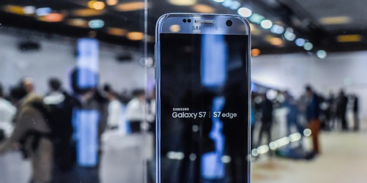 Samsung Galaxy Note 8, Galaxy S8 Release Date, Specs, Features, News & Update: Foldable OLED Display, Bendable Screen Handset to Beat Competition